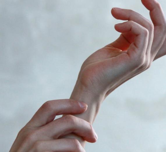 Cómo tratar la dermatitis atópica en manos